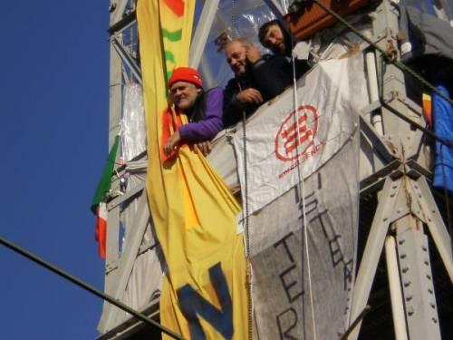 VIDEO–Lavoratori sulla torre, la lotta continua!