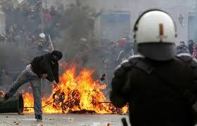 Grecia: scongiurato il default. Il prezzo? La Troika gestisce la spesa pubblica!