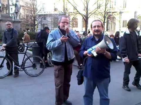 Rinviato al 22 maggio lo sgombero dell'Ambulatorio Medico Popolare – Video e lettera dell'Amp dal Presidio davanti a Palazzo Marino del 26 marzo