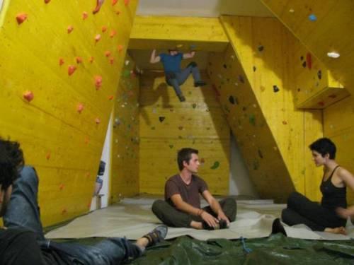 Acciaieria zam la palestra di arrampicata a zam for Piano casa palestra