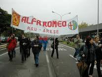 Sgombero del presidio all'ex Alfa Romeo di Arese.