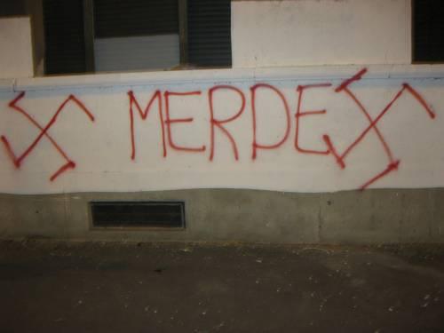Scritte intimidatorie al Lambretta
