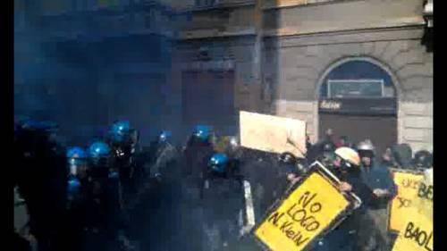 Colpirne 7 per Educarne 10000: Riflessioni su Studenti Indagati a Milano per #14N