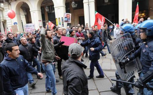Repressione verso gli studenti anche a Torino!
