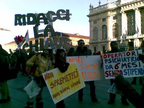 Torino si veste di giallo: interviste e riflessioni sulla manifestazione di sabato 9 febbraio 2013 degli Operatori Sociali