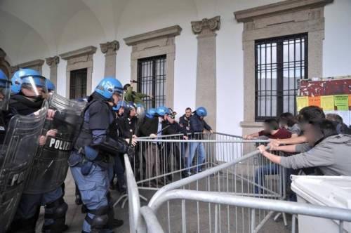 Sgombero dell'Ex-Cuem e cariche della Polizia in Università