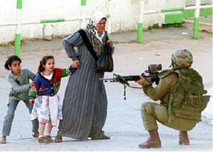 donna_bambini_soldato