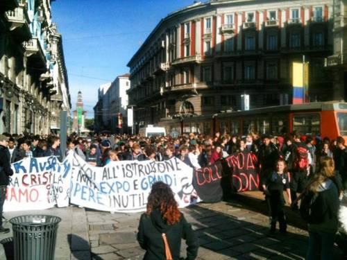 .#O11 Studenti in piazza. Diretta dal corteo foto e video