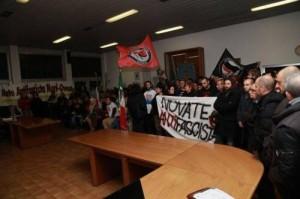 protesta consiglio comunale novate-2