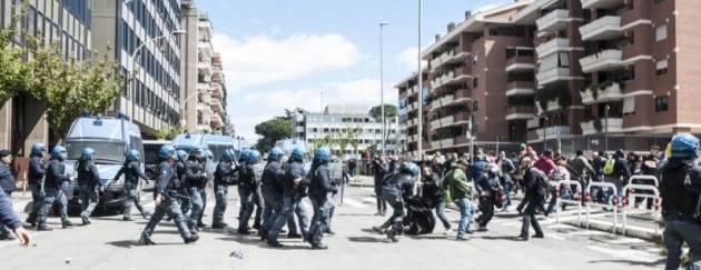 Roma, attacco al movimento per il diritto la casa