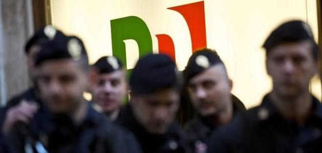 [DallaRete] Ultim'ora: al comizio di Renzi attivisti caricati e arrestati dalla Polizia