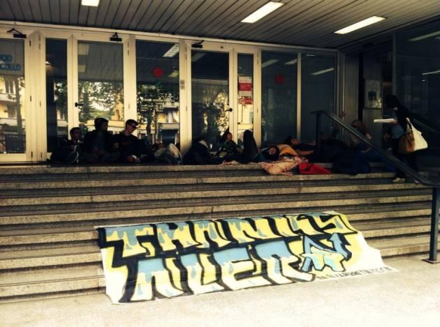 News – Bloccati gli ingressi dell'Aler di Viale Romagna. Il Lambretta resiste!