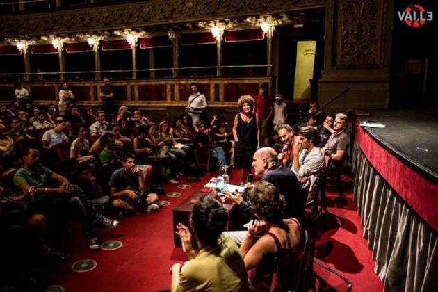 L'assemblea cittadina al Teatro Valle