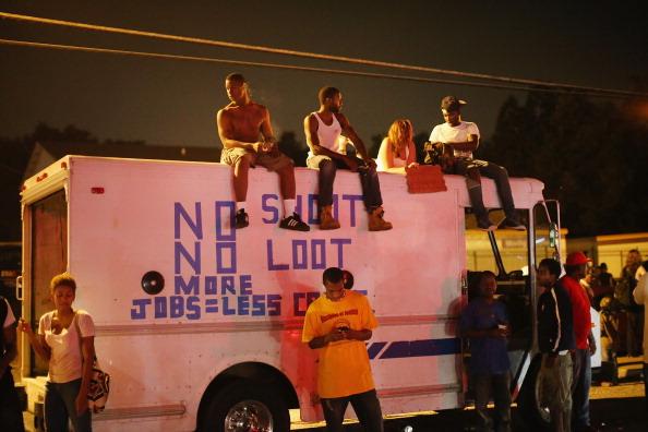[DallaRete] Ferguson, come mai è tanto facile essere uccisi se neri?