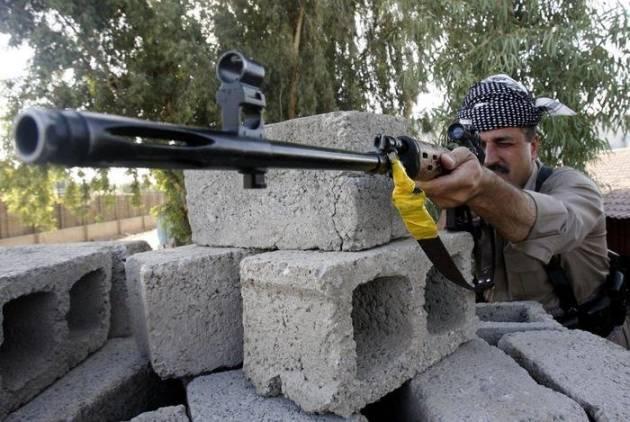 [DallaRete] I combattenti curdi fronteggiano l'offensiva del Califfato IS
