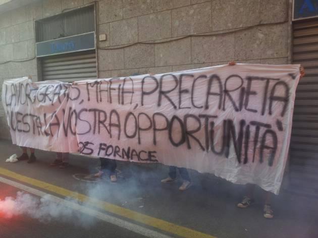 Rho, contestato Maroni. No Free Jobs! No Mafia Free!