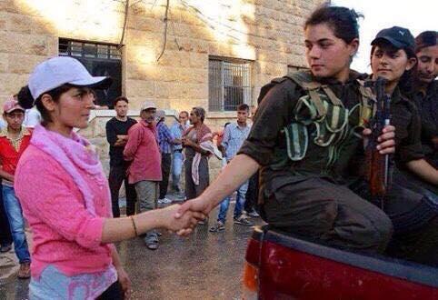 [DallaRete] Viviamo, impariamo e combattiamo. Le donne di Kobane sul fronte delle contraddizioni