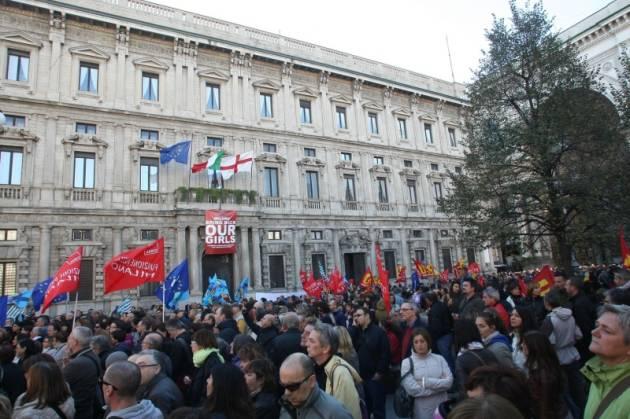 [DallaRete] La protesta di lavoratrici e lavoratori del Comune di Milano