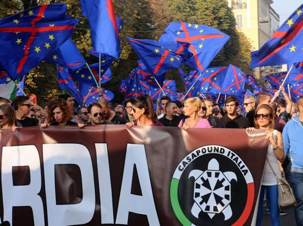 [DallaRete] Lega e fasci si prendono Piazza Duomo (nonostante la manifestazione antifa)