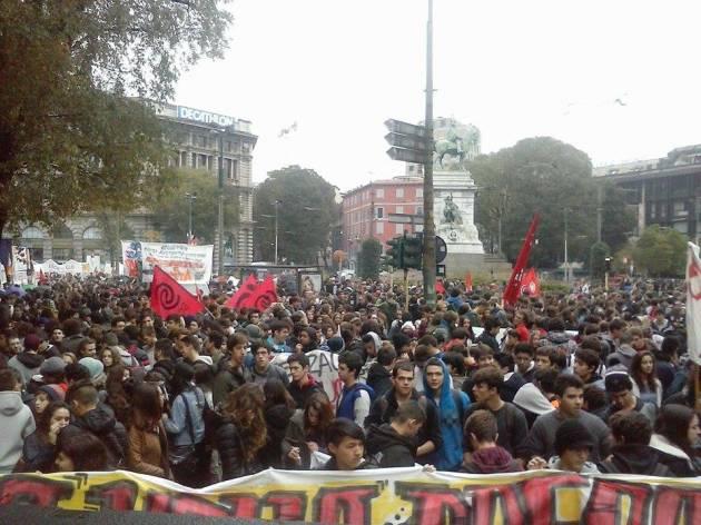[News] Sciopero sociale Milano – Galleria di immagini
