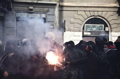 Il 14 Novembre non si arresta! Presidio studentesco al Palazzo di Giustizia