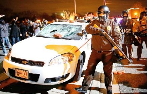 [DallaRete] Agente non incriminato, guerriglia a Ferguson