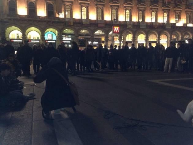 """In Piazza Duomo va in scena """"Expo la macchina dello sfruttamento"""""""