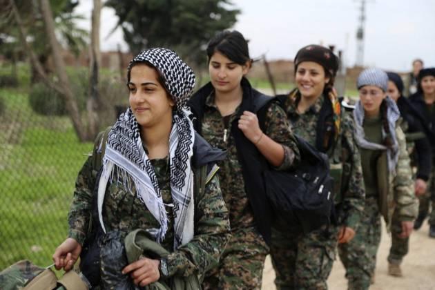 [DallaRete] A Kobane un funerale al giorno, ma i Kurdi avanzano