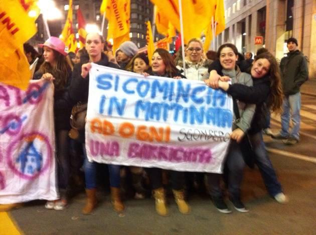 4# Per il diritto alla casa, in corteo a Milano (diretta foto e video)