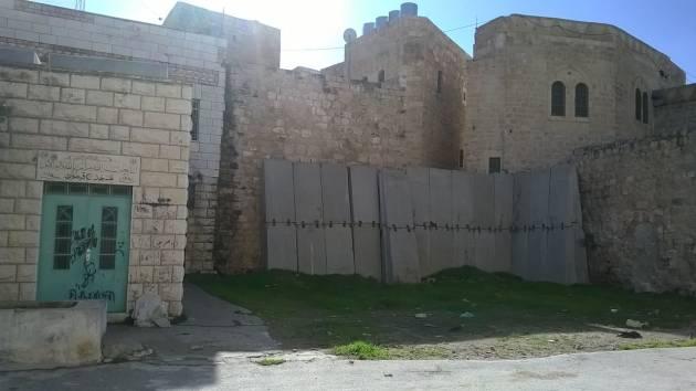 Hebron, dove l'apartheid per i palestinesi è quotidianità