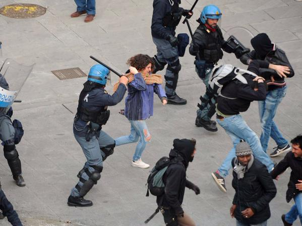 [DallaRete] Brescia: la lotta continua! Terzo giorno di cariche contro migranti e antirazzisti