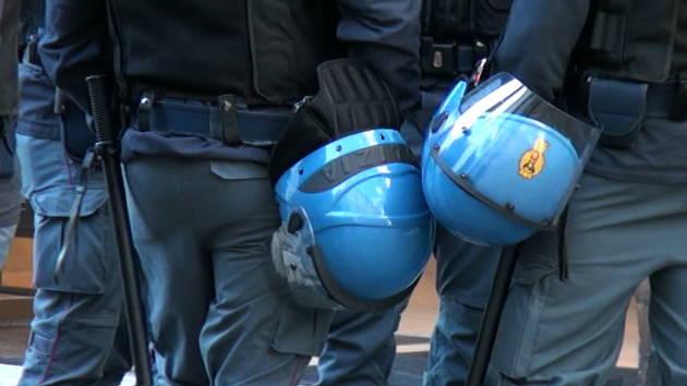 [DallaRete] Numeri identificativi per i poliziotti, ecco la legge