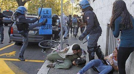 [DallaRete] A Roma polizia a processo: referti falsi e minacce