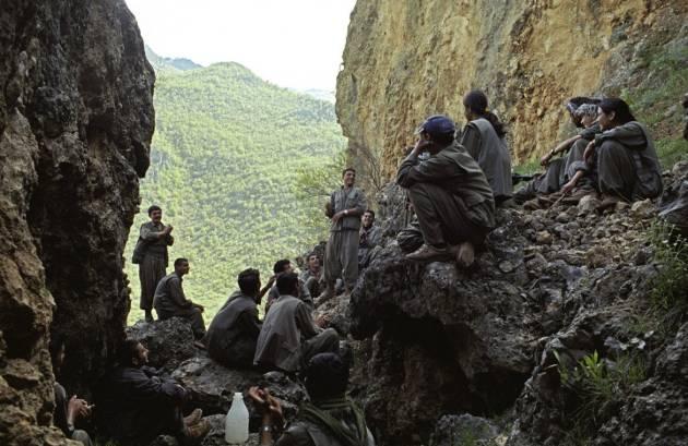 [DallaRete] La resistenza nel Rojava. Una storia (anche) italiana