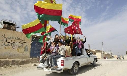 [DallaRete] Due compagni della Carovana per il Rojava fermati al confine Turco-Siriano