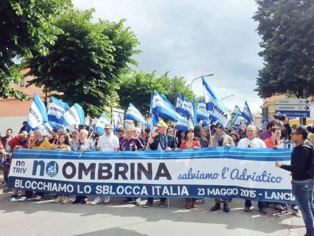 [News] No Ombrina: migliaia di persone in marcia per una terra libera dalle trivelle