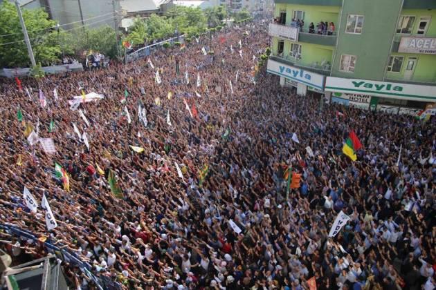 [DallaRete] HDP ottiene il 13,1% dei voti, 6 milioni di elettori, 80 deputati