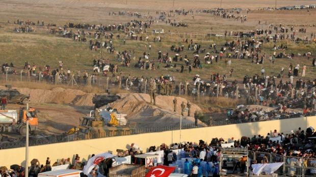 [DallaRete] SIRIA. Tal Abyad, battaglia curdi-Isis: in migliaia in fuga in Turchia