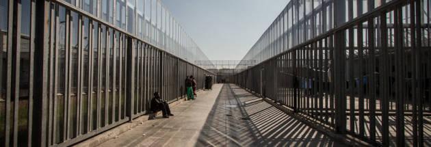 [DallaRete] Immigrazione: il governo mette nei Cie anche i richiedenti asilo