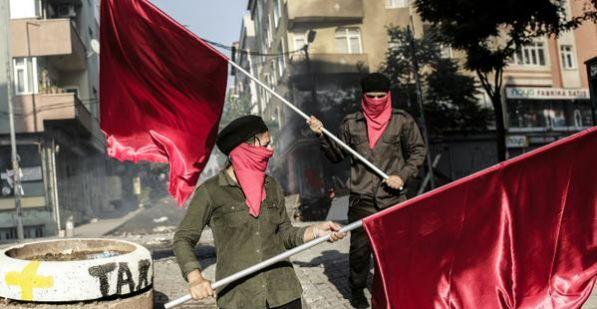 [DallaRete] Istanbul, il quartiere Gazi dichiara l'autogoverno