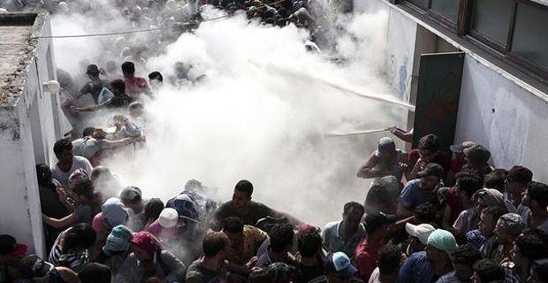 [DallaRete] I migranti rinchiusi nello stadio di Kos