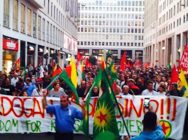 Noi siamo Kobane: foto e video dal corteo milanese
