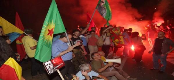 [DallaRete] Expo Gate e San Babila, protesta anti-Erdogan: «Solidarietà ai curdi»