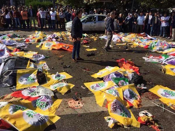 Le lacrime come promessa di lotta. Cronaca di una strage annunciata. Ankara 10 Ottobre 2015