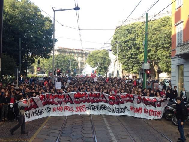 """Corteo studentesco """"La Buona Scuola siamo noi/Refugees Welcome"""" – la diretta (foto e video)"""