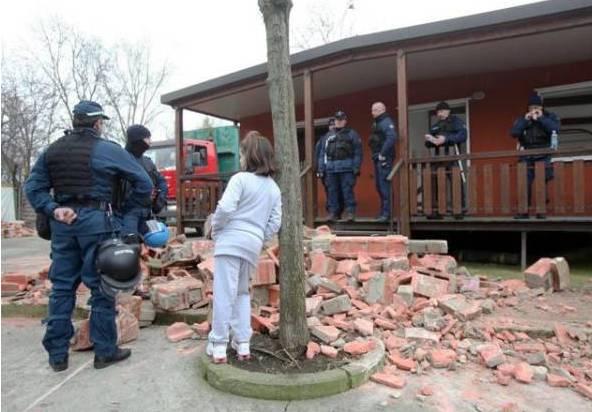 Via Idro, Milano_Cosa succede quando chiude un campo rom?