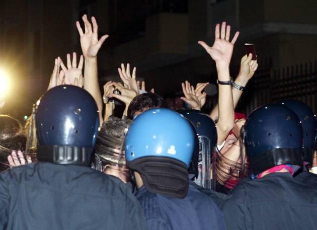 [DallaRete] Sul G8 di Genova l'indecenza del Governo, la miseria del Parlamento