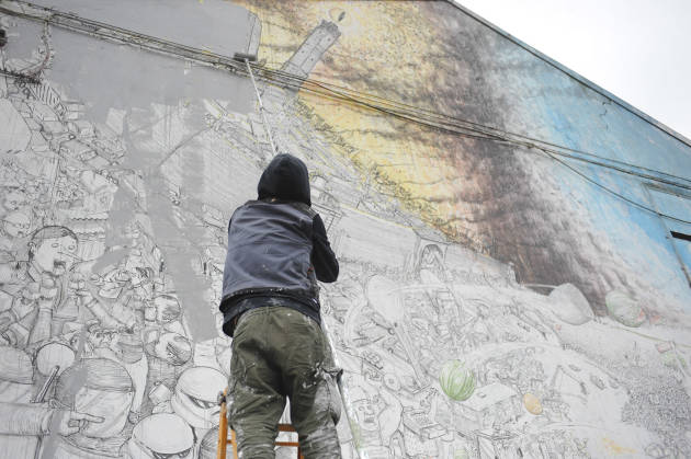 [DallaRete] Street Artist #Blu Is Erasing All The Murals He Painted in #Bologna
