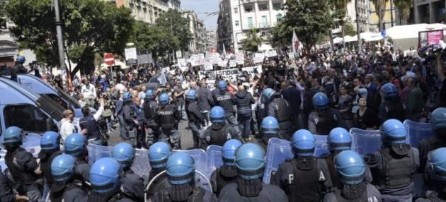 [DallaRete] Renzi a Napoli: manifestazioni e scontri