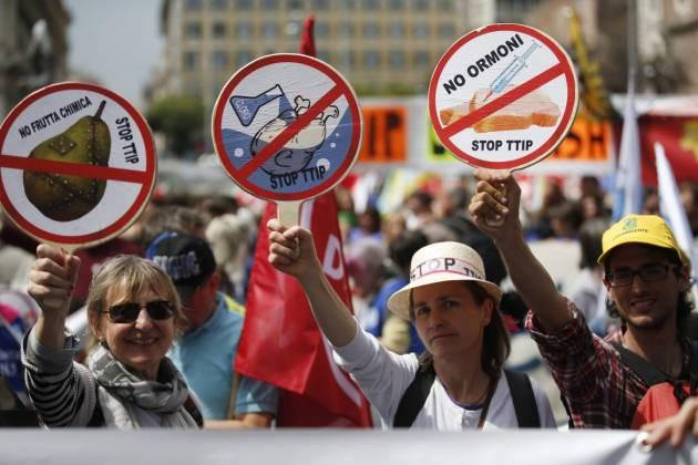[DallaRete] Trentamila alla prima marcia Stop Ttip a Roma